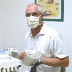 Dr. med. dent. Andreas Hans Robert Spiegl