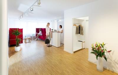faltenfee d sseldorf kosmetik k rperpflege dienstleistungen stadtmitte ffnungszeiten. Black Bedroom Furniture Sets. Home Design Ideas