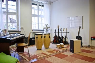 musicbrig musikschule k ln m lheim schulen ffnungszeiten. Black Bedroom Furniture Sets. Home Design Ideas