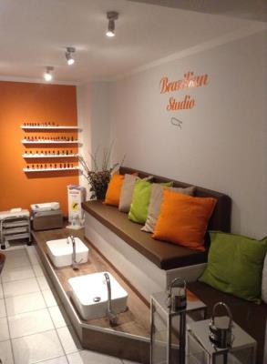 brazilianwaxstudio fusspflegedienste in hamburg eidelstedt ffnungszeiten. Black Bedroom Furniture Sets. Home Design Ideas