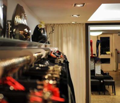 boutique i punkt inh ina sch rnig in weimar altstadt. Black Bedroom Furniture Sets. Home Design Ideas