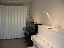 Montserrat Caballero's Gesangs- & Klavierschule / Spanischunterricht & -Nachhilfe