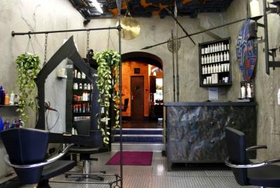 adrenalin the art of hairdesign in m nchen bezirksteil am alten s dlichen friedhof ffnungszeiten. Black Bedroom Furniture Sets. Home Design Ideas
