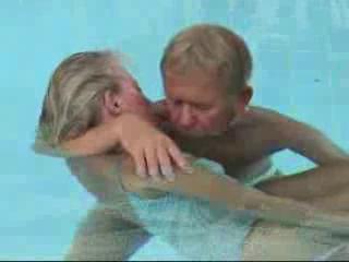 Aqualana - tiefe Entspannung im 36°C warmen Wasser