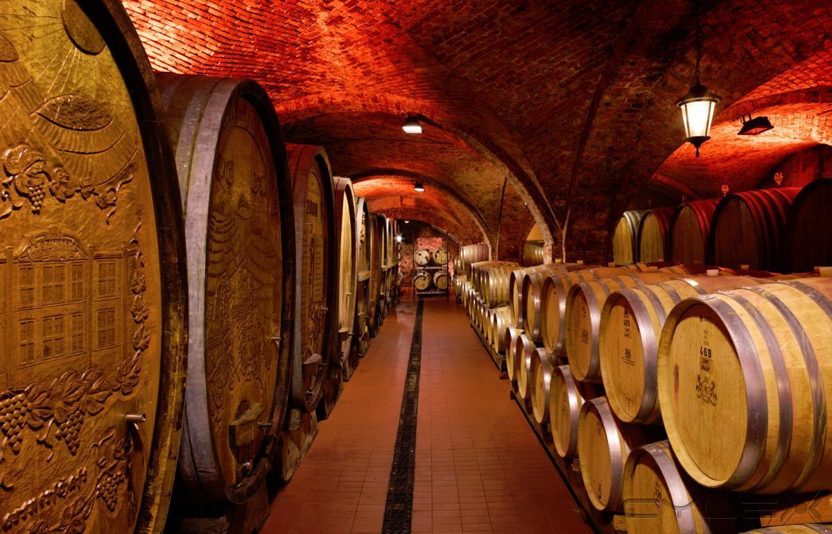 Weinmanufaktur Untertürkheim eG, Getränke in Stuttgart - Öffnungszeiten