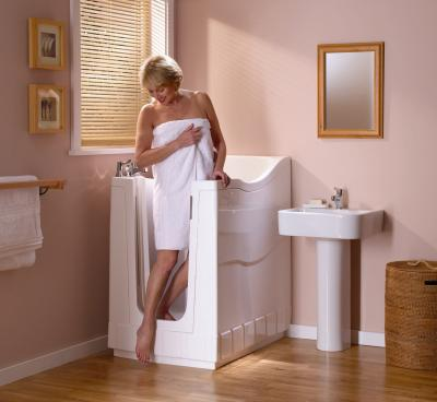 badewolke badsysteme ug produkte aquabainini kompakteste sitzsbadewanne. Black Bedroom Furniture Sets. Home Design Ideas