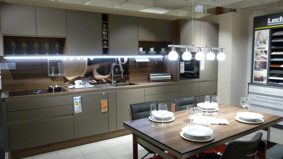 xxxlutz f rstenstein ffnungszeiten. Black Bedroom Furniture Sets. Home Design Ideas